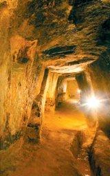 ROSIA MONTANA - Ghid cultural-turistic