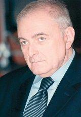 "ADRIAN VASILESCU - ""Romania este intr-un paradox: avem criza economica, dar nu avem criza financiara"""