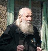 Reportaj pe urmele unui reportaj: Manuil, preotul zburator