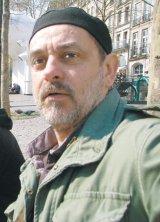 """""""In Romania, viata si lumea sunt inca vii. Semn bun!""""- De vorba cu pictorul timisorean Calin Beloescu"""