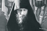 Sihastria Putnei - Portret de monah in prag de iarna